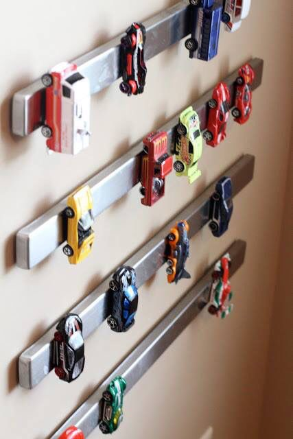 magnet holders for kids' toys