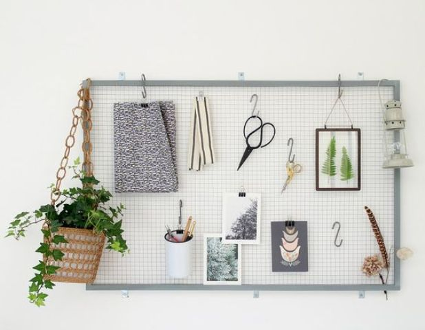 wire noticeboard that you can DIY