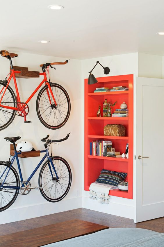 22 colorful niche shelves in the hallway