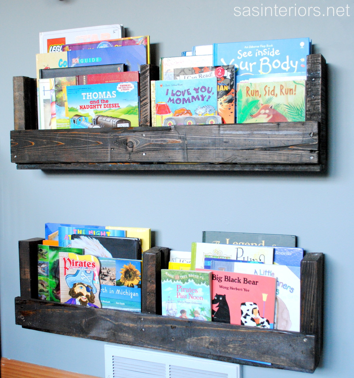 DIY dark stained kids' bookshelf from pallets (via www.homestoriesatoz.com)