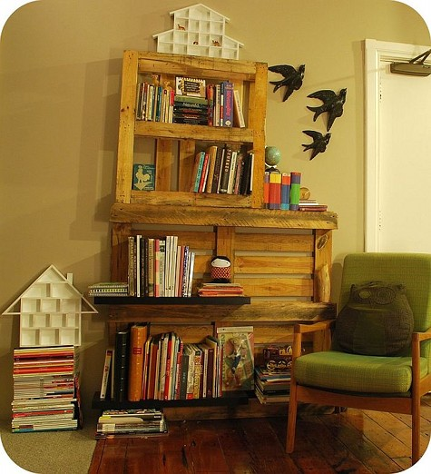 DIY shelf of two pallets (via www.designsponge.com)