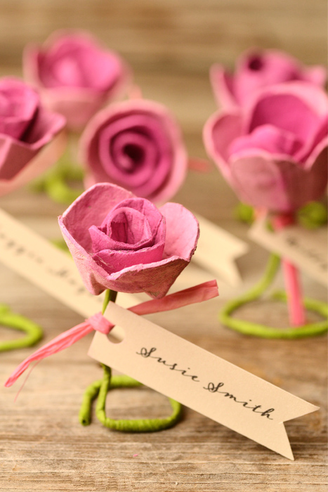 Egg Carton Crafts Part - 31: DIY Egg Carton Roses Escort Cards (via Www.intimateweddings.com)