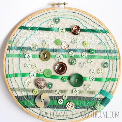 DIY button hoop art piece (via shelterness)