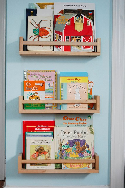 DIY children book storage from IKEA Bekvam (via https:)