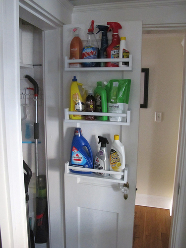DIY pantry shelves from IKEA Bekvam (via projectshannon.blogspot.ru)