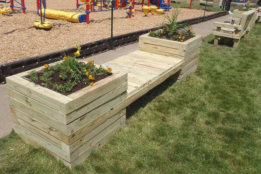 DIY large planter wooden bench