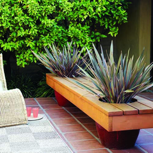 DIY modern planter bench (via sunset)