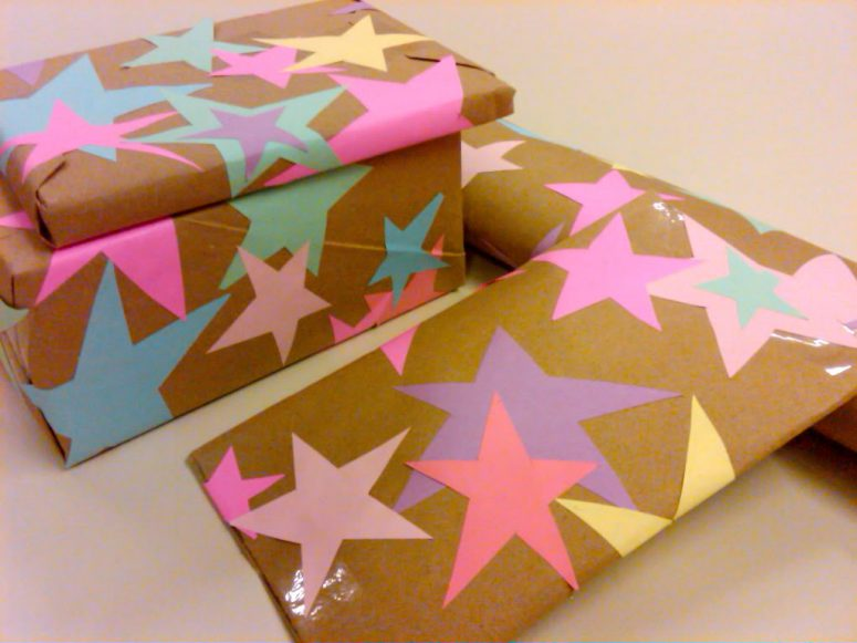 DIY glued stars wrapping paper (via heatherfromscratch)