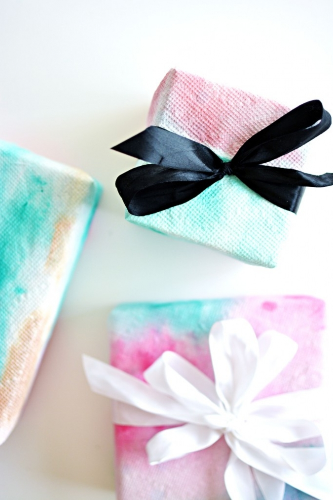 DIY watercolor paper towels wrapping paper (via littleinspiration)