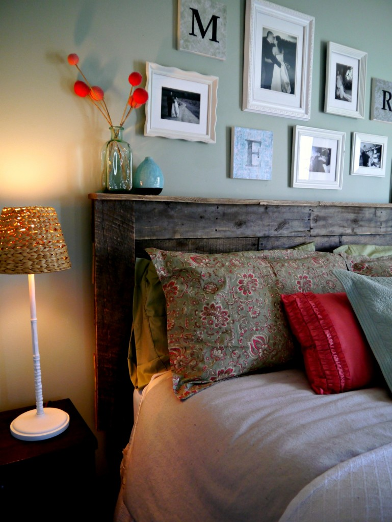 Easy Budget Friendly Spring Decorating: 11 Easy And Budget-Friendly DIY Pallet Headboards