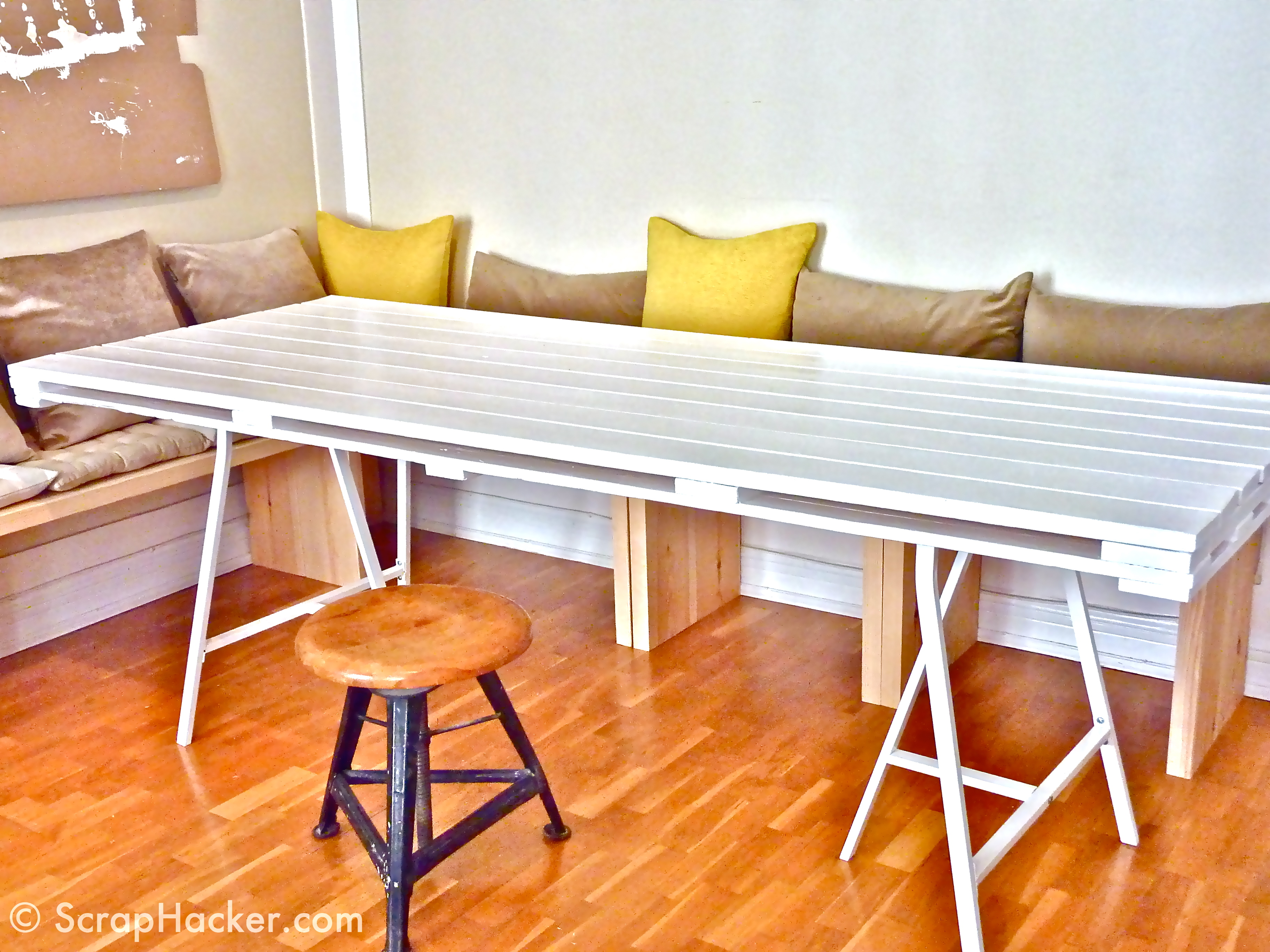 13 Easy And Cost Effective DIY Pallet Dining Tables  : easy cost effective diy pallet dining tables 9 from www.shelterness.com size 3648 x 2736 jpeg 2262kB