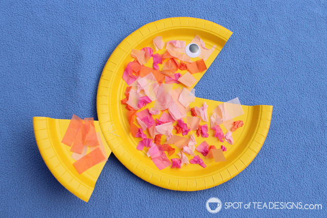 DIY paper plate fish for kids (via spotofteadesigns) & 16 Easy And Fun DIY Paper Plate Crafts - Shelterness