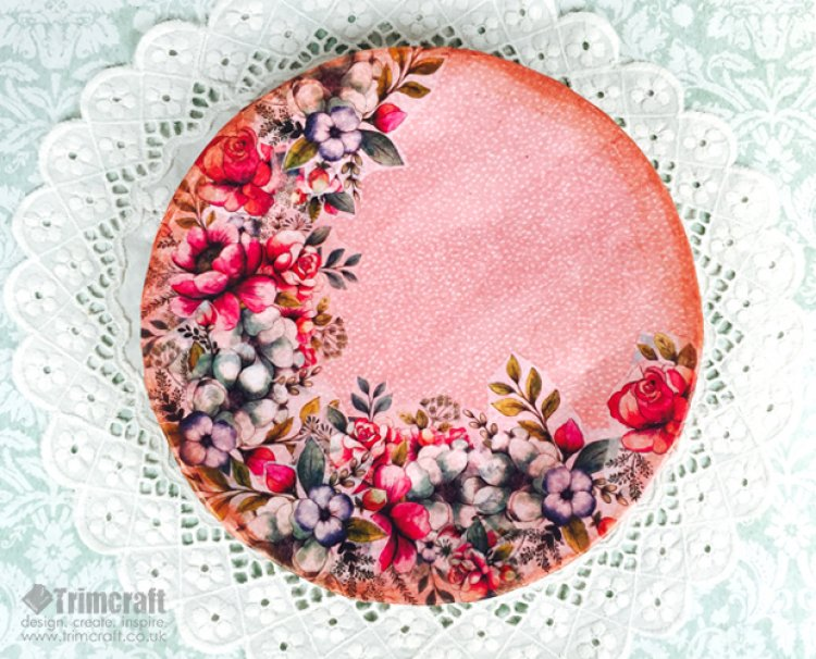 DIY artwork from a paper plate (via trimcraft)