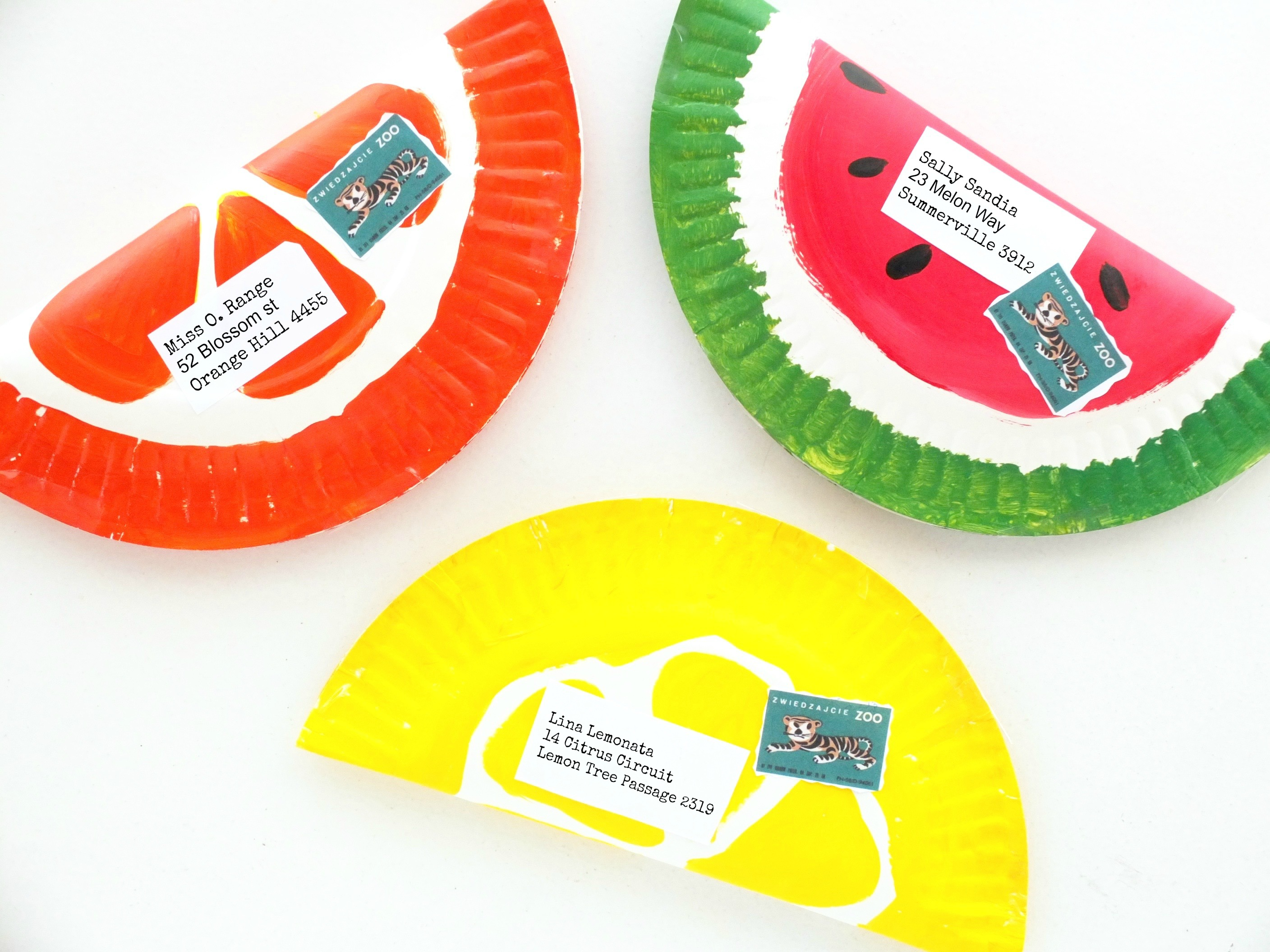 DIY fruity paper plate envelopes (via mypoppet)