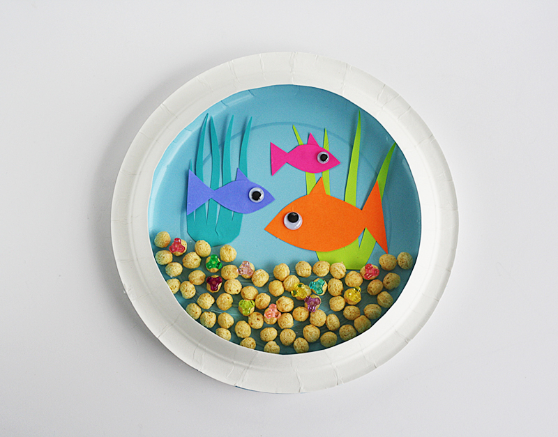 DIY paper plate aquarium (via kixcereal)