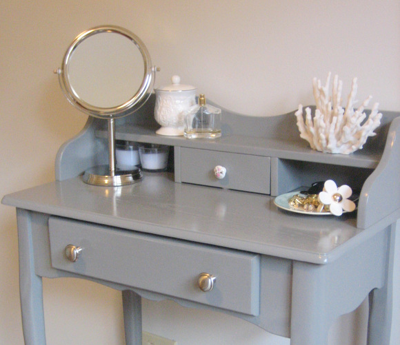 Ideal DIY grey vanity makeover via thediyplaybook
