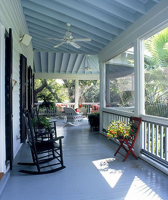 24 Relaxing Wraparound Porch Decor Ideas