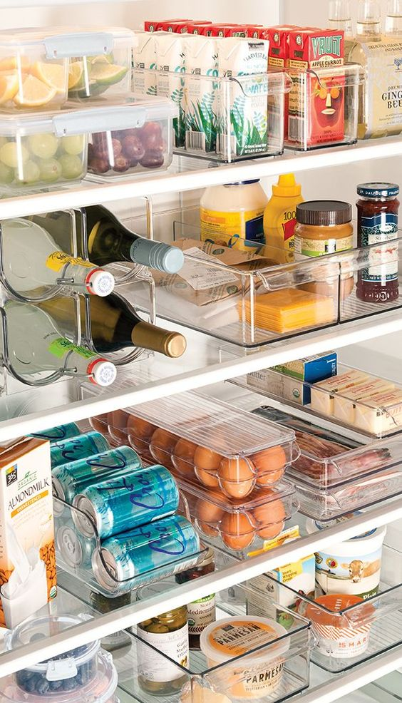 clear plexiglass containers for storing food