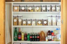 07 glass jars with plastic lids and labels for comfortable storage