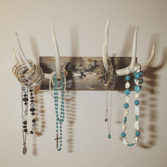 Nice mounted antler jewelry holder