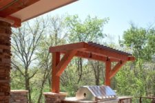 07 small pergola over the grill for maximum ventilation and to take less space