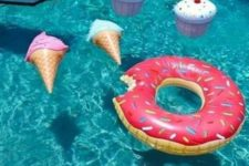 09 donut, ice-cream and cupcake pool floats