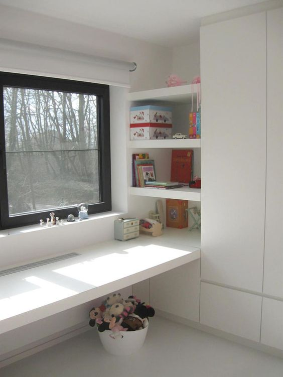 24 ways to decorate and organize a kids 39 study nook for Built in study table