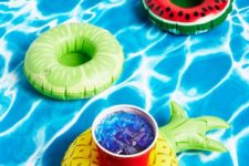 11 fruit drinks float set