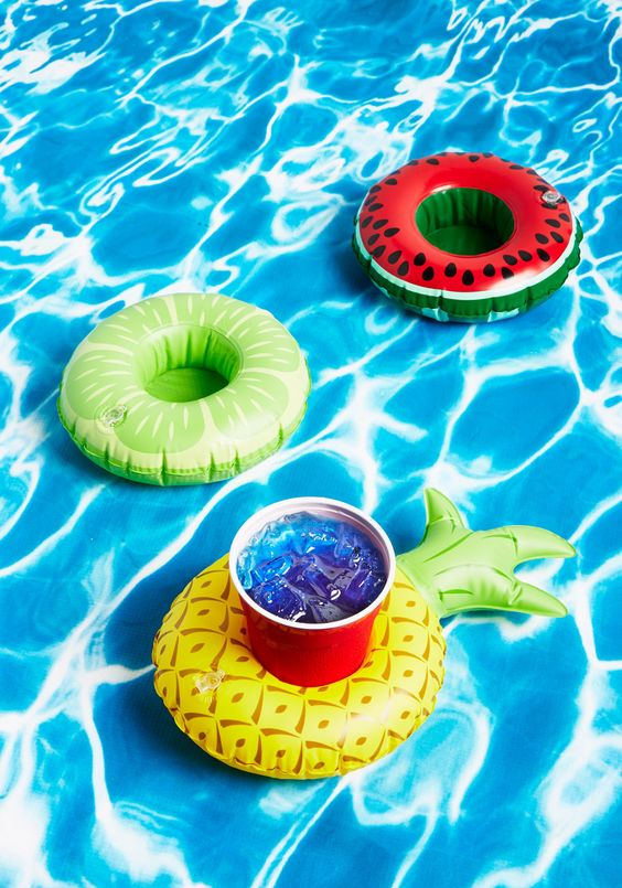 fruit drinks float set