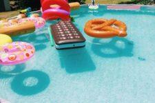 12 large dessert pool floats