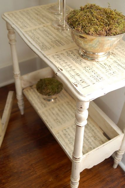 note sheets side table