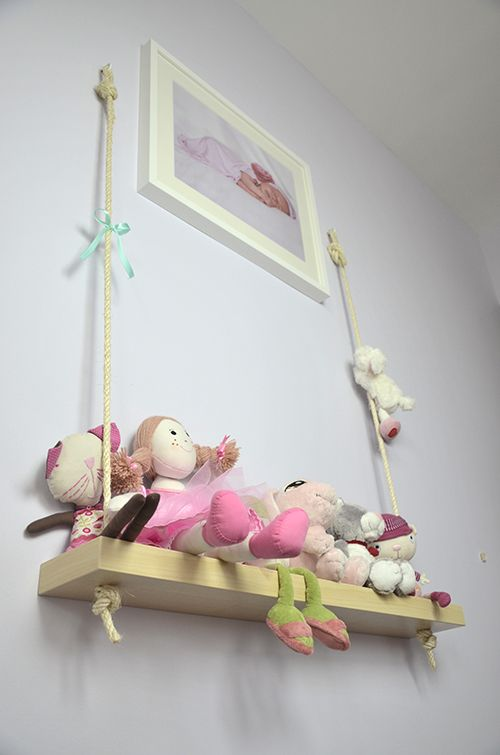 hanging shelf for storing toys