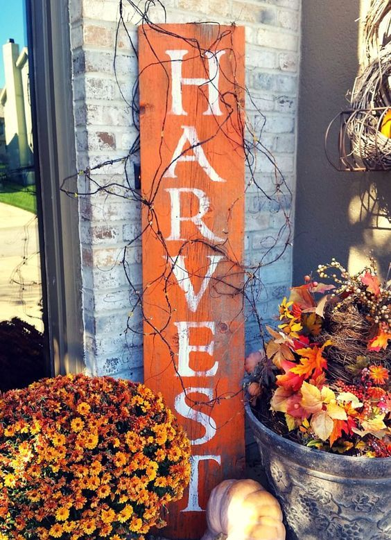 harvest reclaimed barnwood sign with bold fall florals