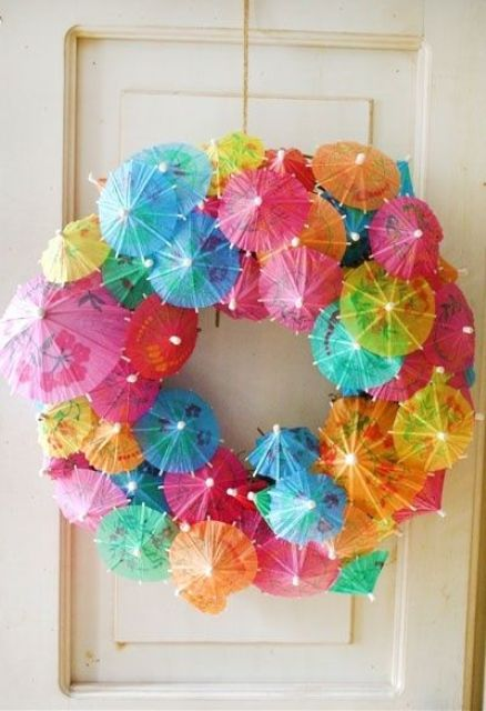 cocktail umbrella wreath for a pool party