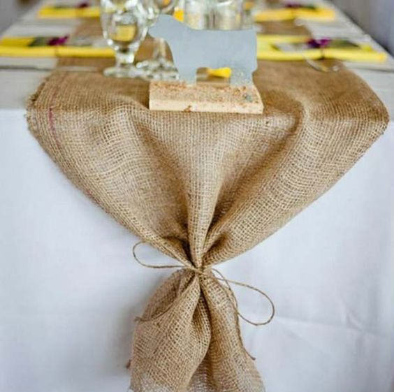 burlap table runner to give a rustic touch to your table setting