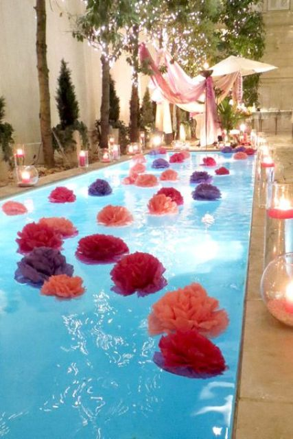pompoms of plastic table cloths for a pool