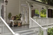 25 wraparound porch with hanging lanterns – beeskeeps