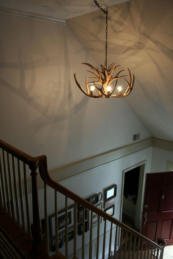 Nice simple antler and bulbs chandelier