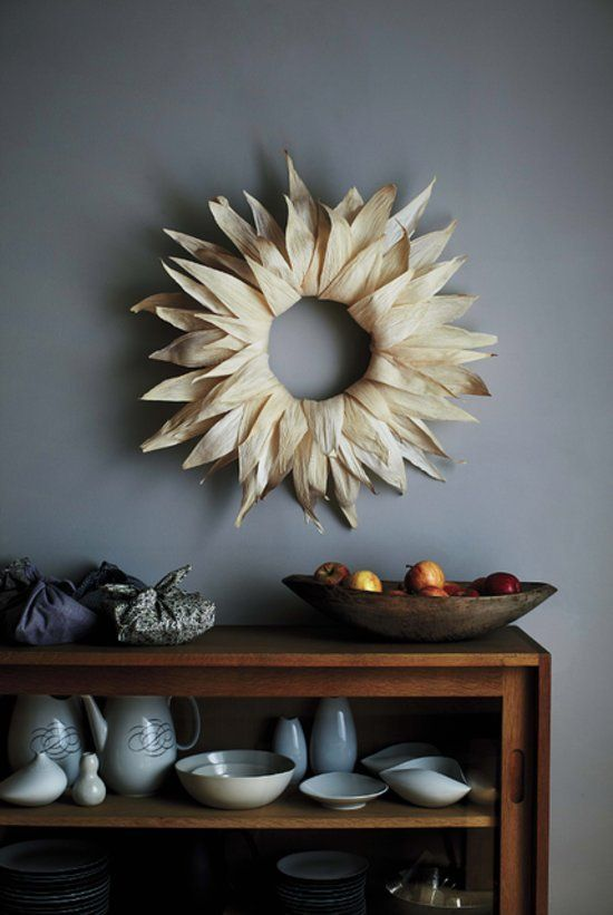 simple corn husk rustic fall wreath for indoors