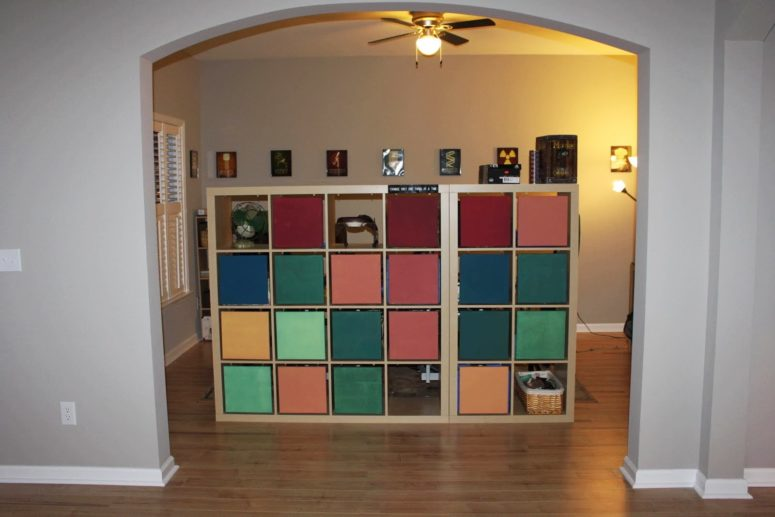 DIY IKEA Expedit room divider with drawer compartments (via www.ikeahackers.net)