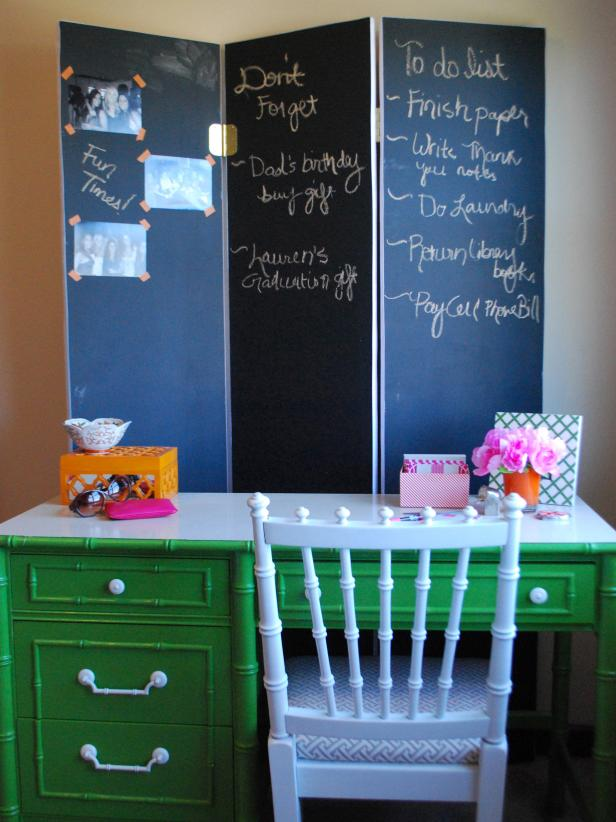 DIY multifunctional chalkboard space divider (via www.hgtv.com)