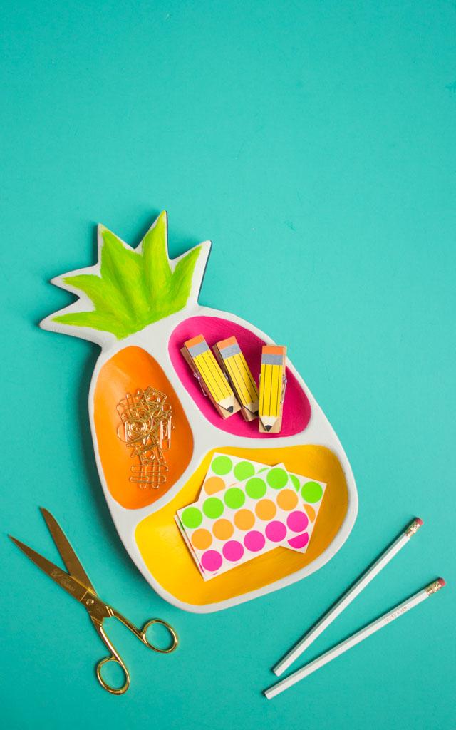 DIY pineapple desk organizer (via www.designimprovised.com)