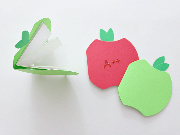 DIY back to school apple booklets