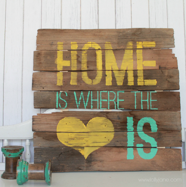 DIY home sign of pallet wood (via lollyjane.com)