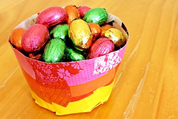 DIY paper mache bowls to make with your kids (via childhood101.com)