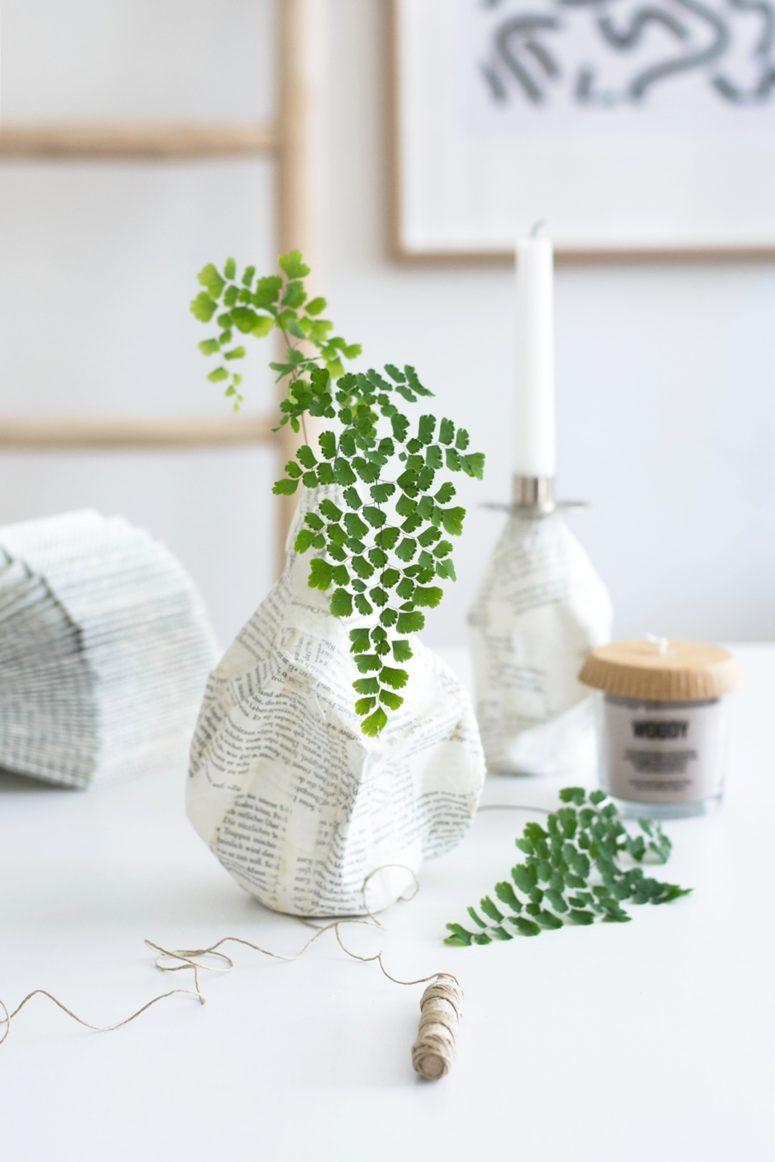 DIY paper mach vase with a bottle inside (via sinnenrausch.blogspot.ru)