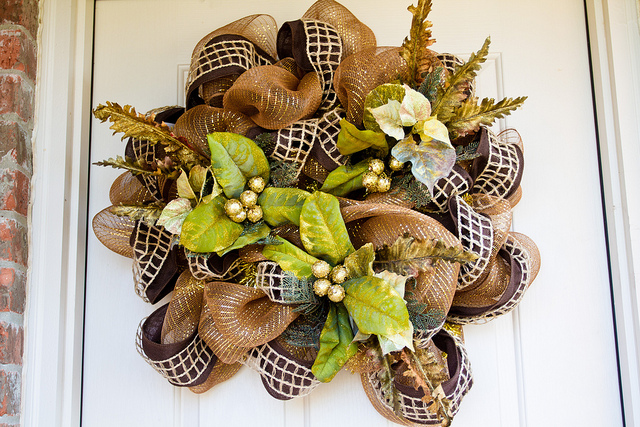 DIY poly fall deco mesh wreath suitable for Christmas (via thenerdswife.com)