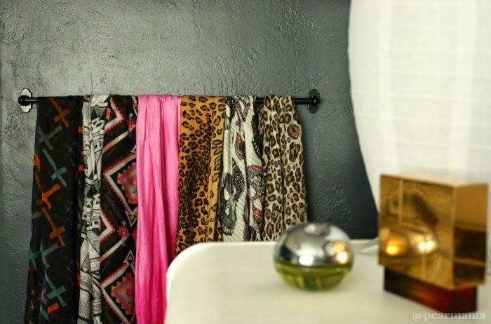 DIY IKEA Fintorp rail as a scarf organizer (via pearmama.com)