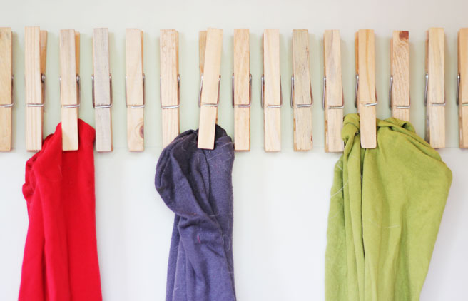 DIY tights organization using pegs (via www.lanaredstudio.com)