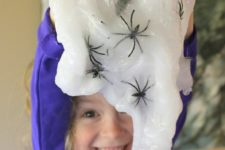 DIY Halloween spider slime